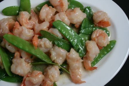 seafood-snow_peas_and_prawns-zoom