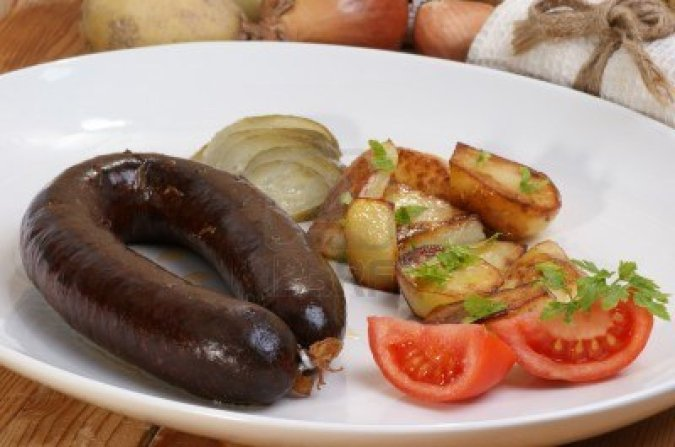 9069292-home-made-black-pudding-with-grilled-potato