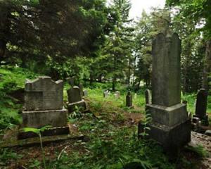russian-cemetery