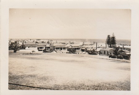 FREMANTLE IN 1956 ON sUNDAY