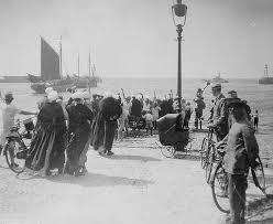 wives waiting for their men at Scheveningen